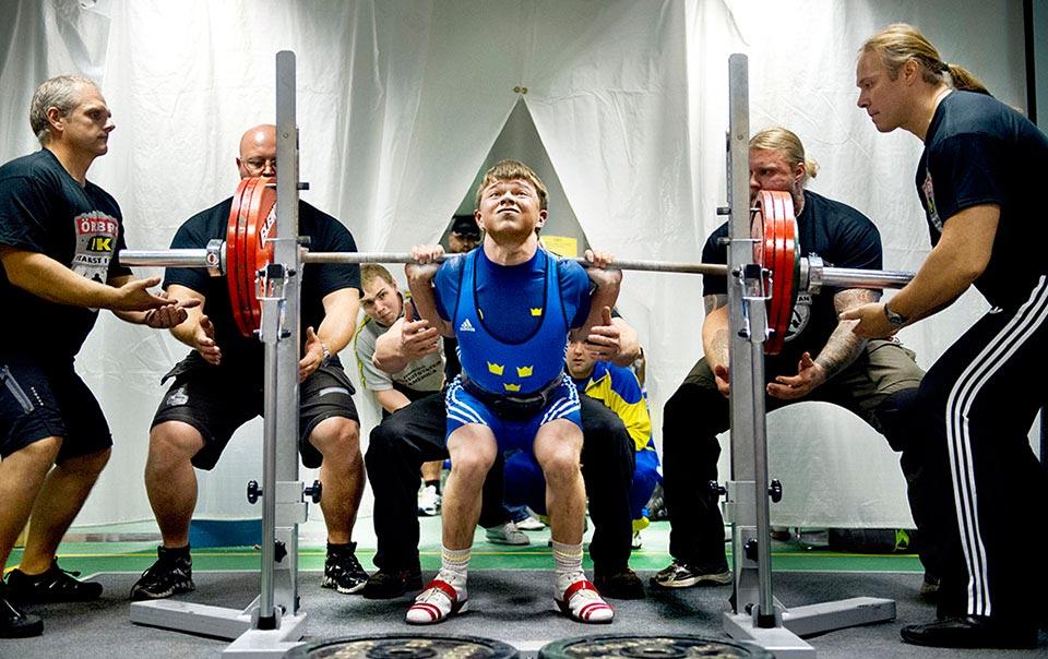 Örebro KK anordnar NM i styrkelyft och Eddie Berglund är det stora hemmahoppet.