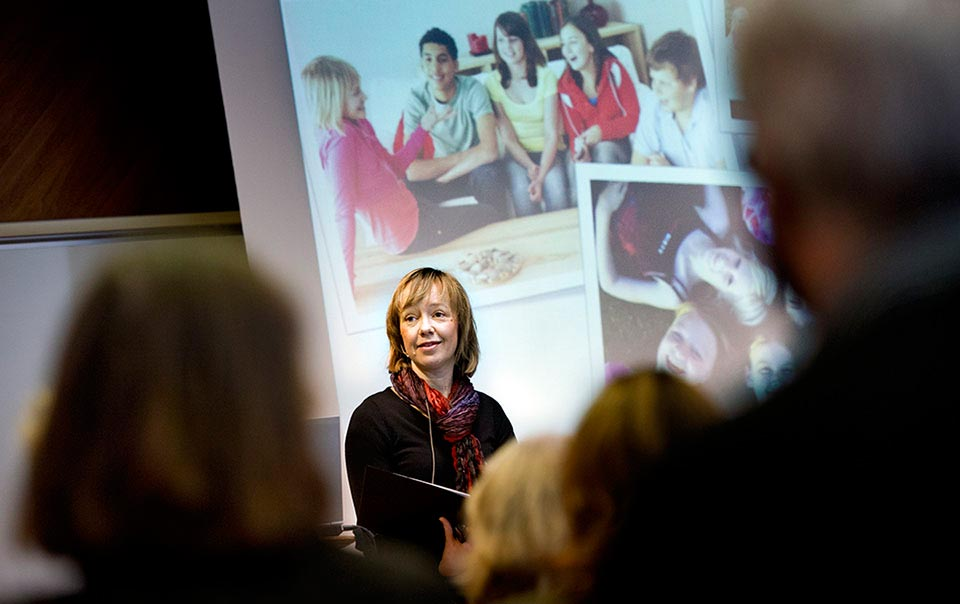 Annika Danielsson, Doktor i musikvetenskap var en av många föreläsare vid Örebro Universitetets årshögtid.