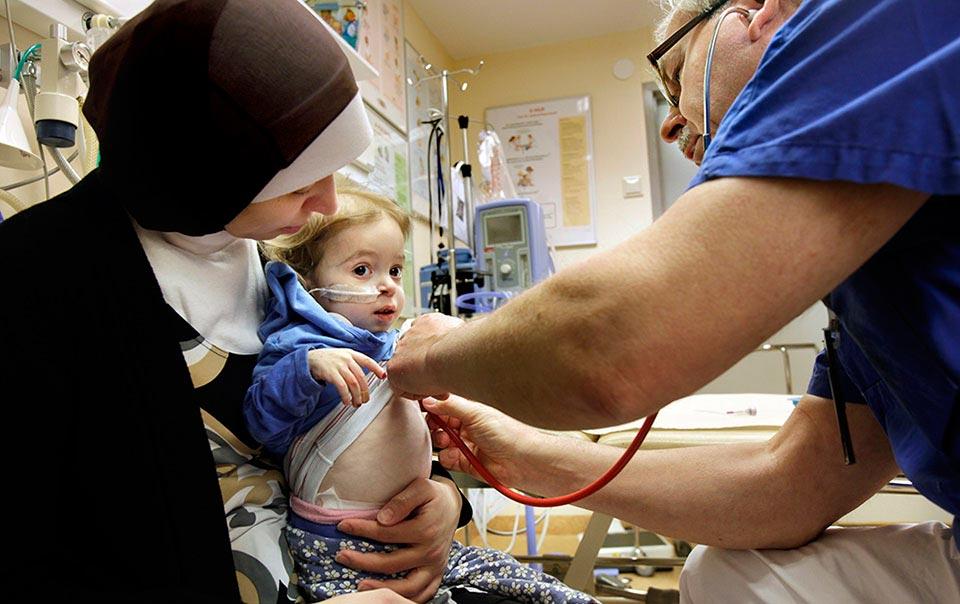 Under en längre tid följde vi Rim El Amir som var svårt sjuk och avvisningshotad.