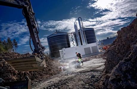 Biogas anläggning i Karlskoga. Till Bro & Vägs hemsida.